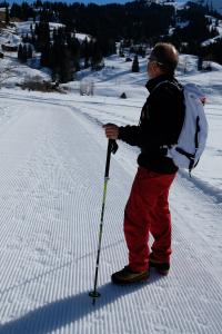 Randonner dans la neige en bottines pour rester connecté à la nature !
